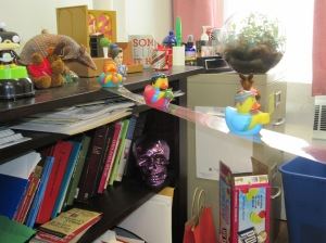 Duckie wise men travel towards the duckie creche....